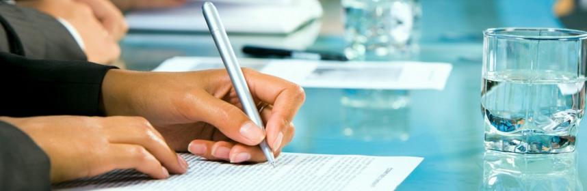bien lire un contrat d'assurance pour éviter les pièges