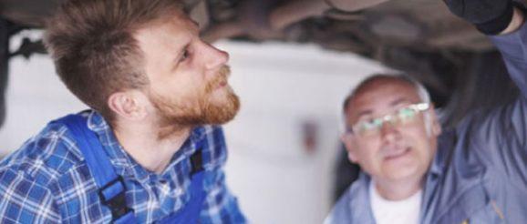 Restaurer une vieille voiture