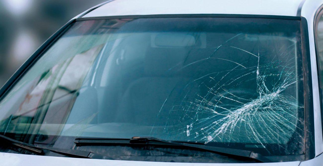Pare-brise impacté voiture