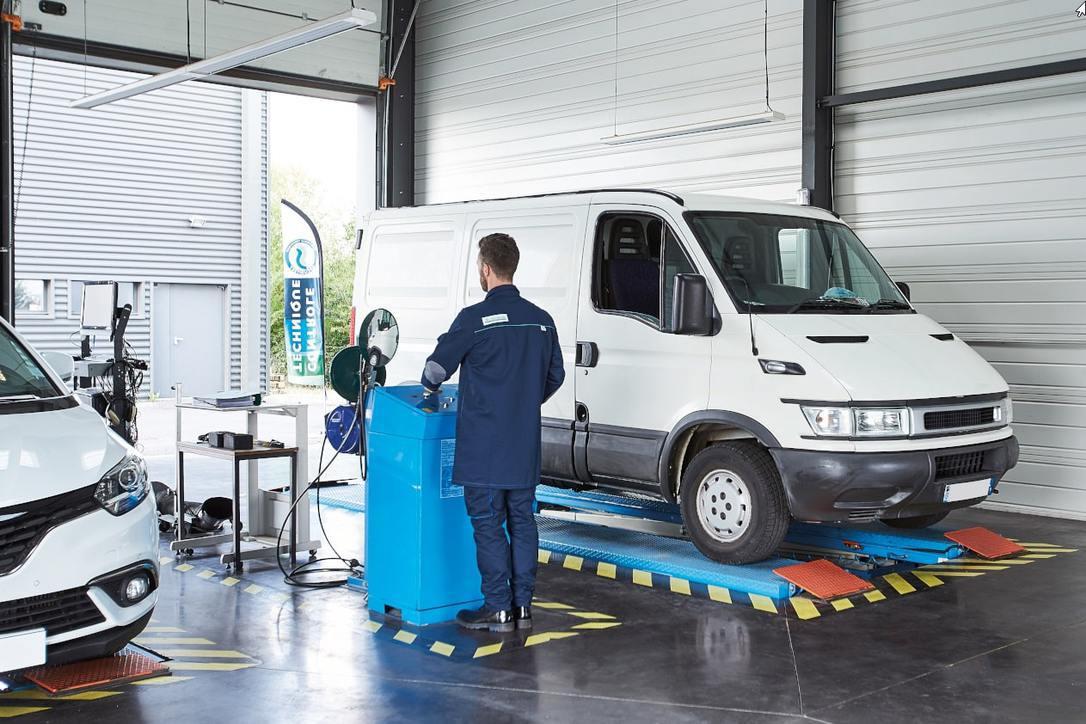 contrôle technique d'un véhicule utilitaire